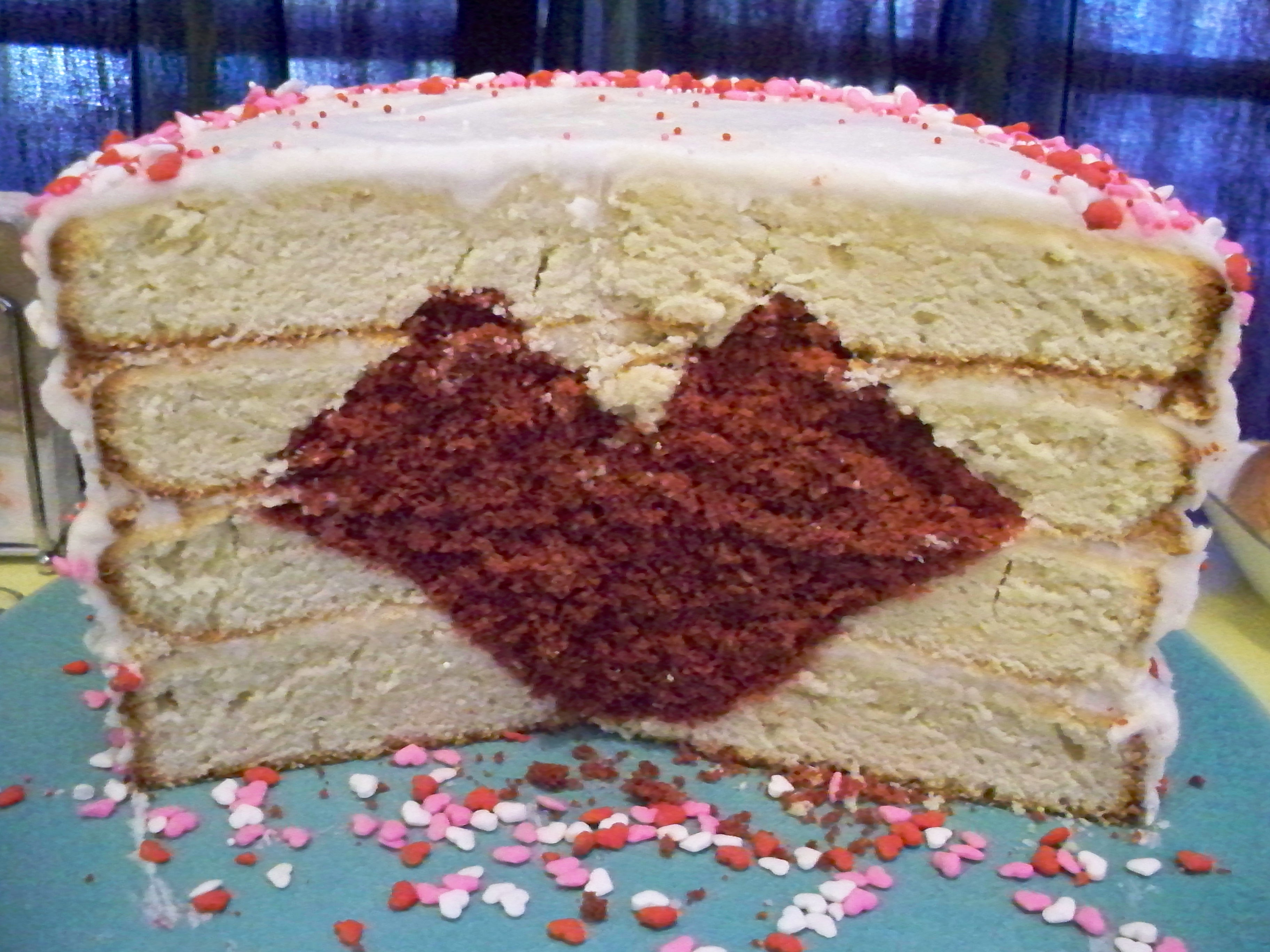 Cake With Icing Baked Inside : Garlic My Soul   Baking A Heart Inside A Cake