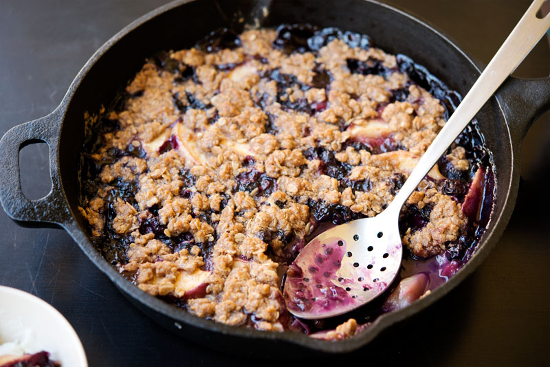 Peach and Blueberry Crisp | Garlic, My Soul