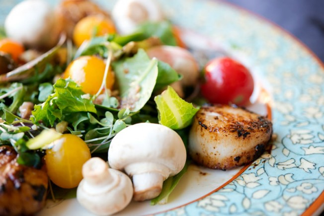Paleo Scallop Salad | Garlic, My Soul
