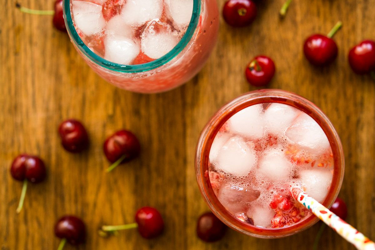 Raspberry Cranberry Wine Spritzer | Garlic, My Soul