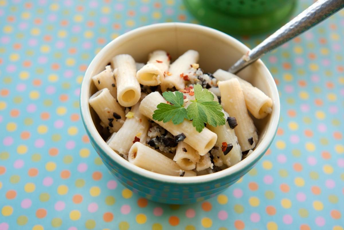 Gluten Free Olive & Cauliflower Pasta | Garlic, My Soul