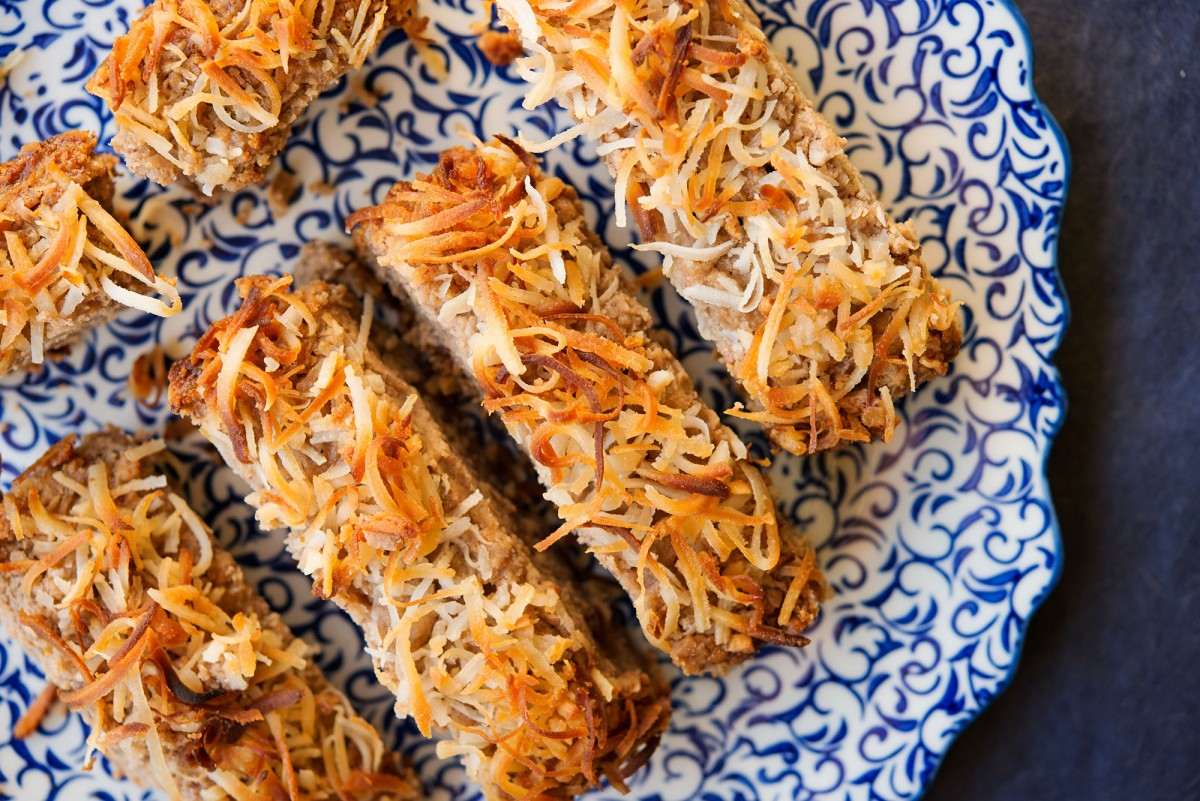Paleo Chocolate Coconut Banana Bread | Garlic, My Soul