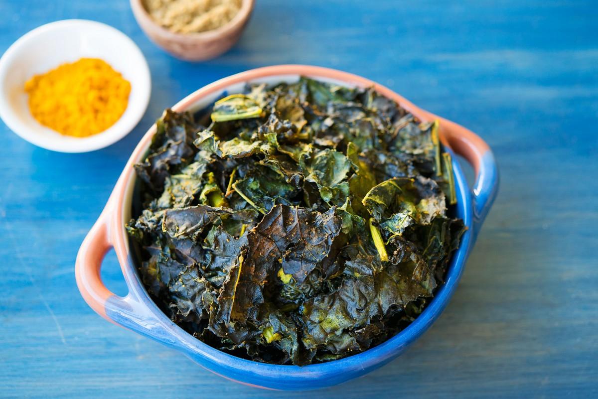 Spiced Kale Chips | Garlic, My Soul