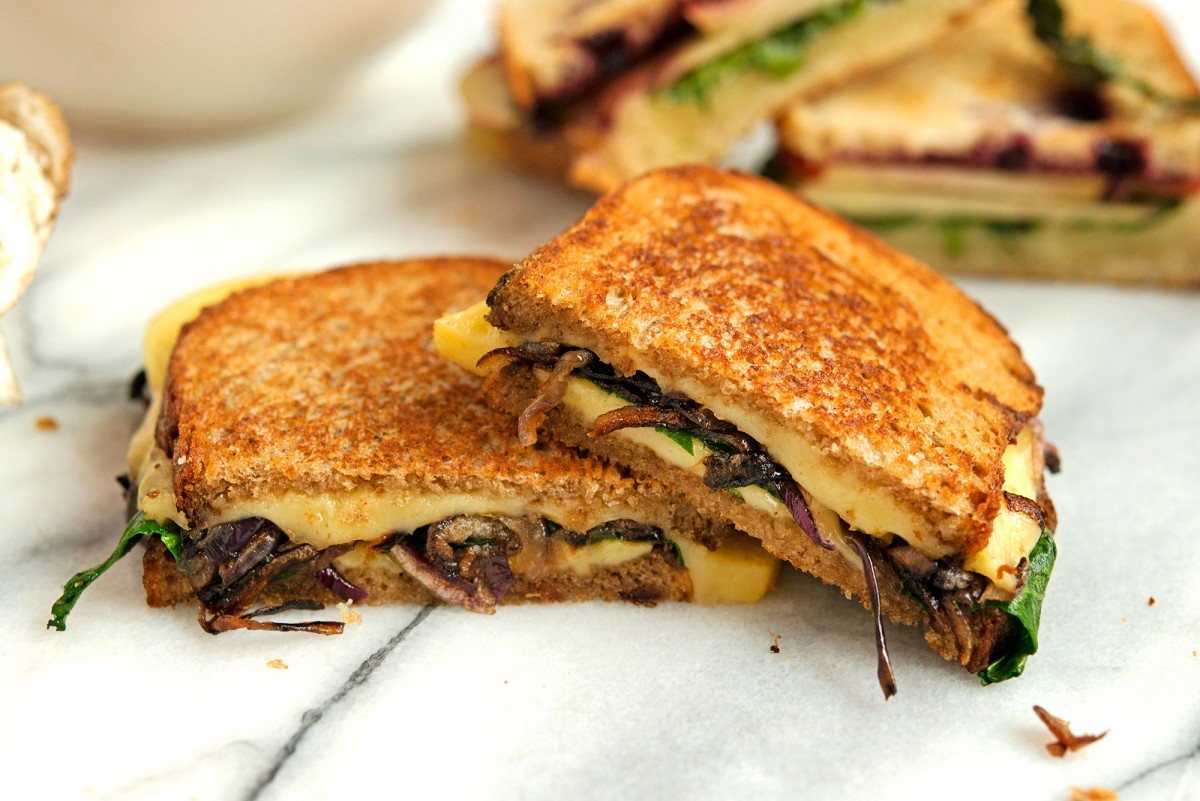 Gouda + Caramelized Onion Grilled Cheese | Garlic, My Soul