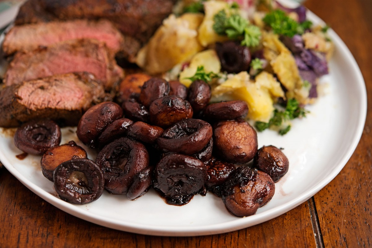 Steak & Burgundy Mushrooms | Garlic, My Soul