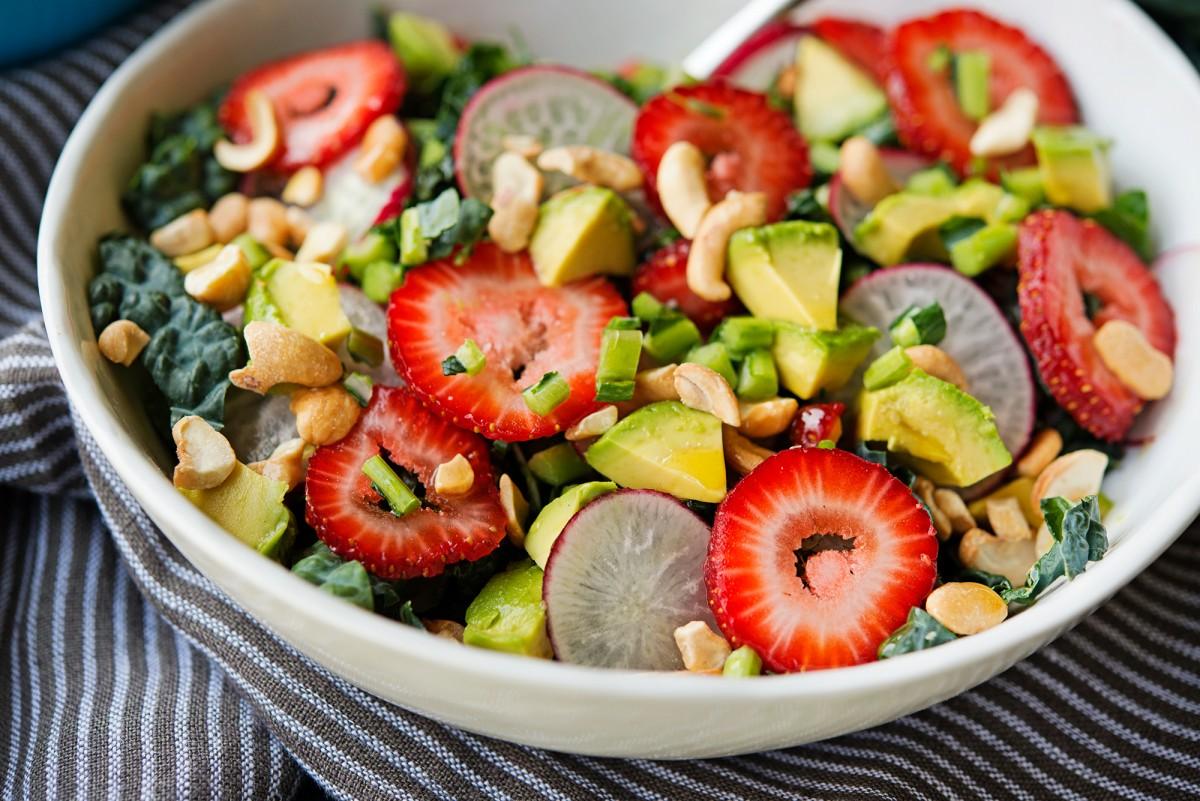 Avocado Strawberry Salad | Garlic, My Soul